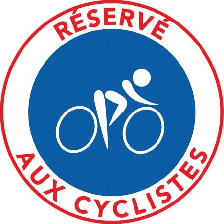 Le stationnement est interdit sur les bandes cyclables